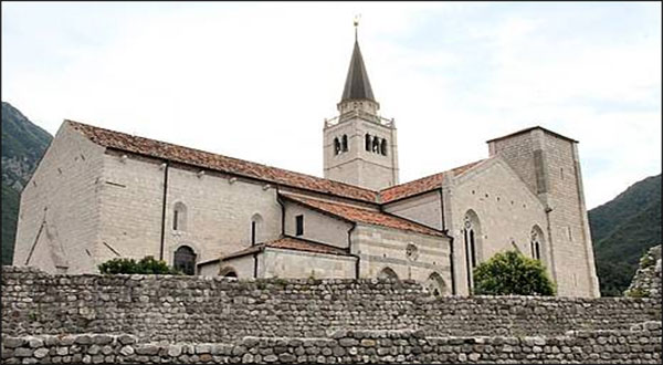 Venzone, distrutto dal sisma del 1976, è il borgo più bello d'Italia
